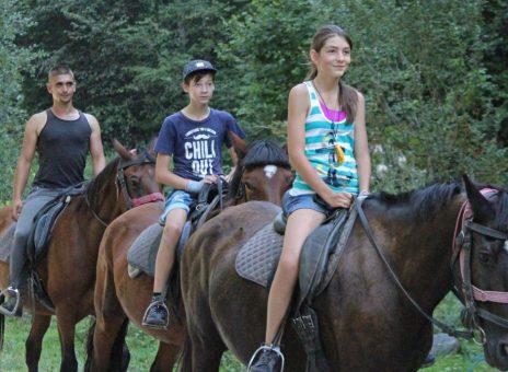 Tabăra de aventură – Abenteuerlager la Ferma de cai Brândușa