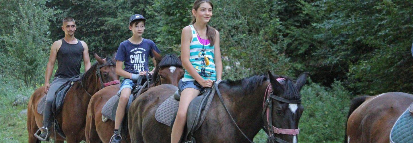 Tabăra de aventură și călărie în germană – Abenteuerlager